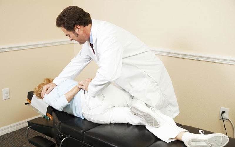 How A Chiropractor Helps Various Spinal Issues