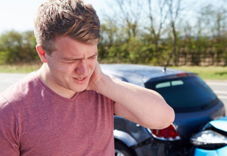 Whiplash from Auto Injuries: Symptoms and Treatment