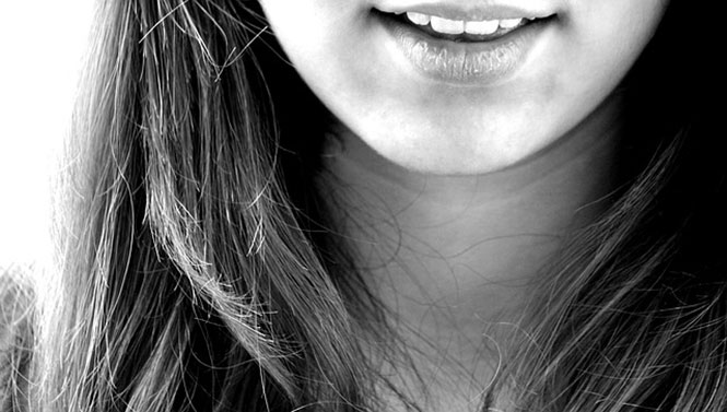 How to Maintain a Healthy Smile On a Budget